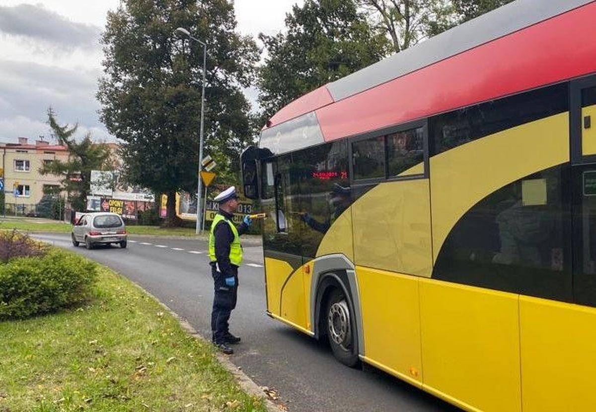 Policja zatrzymała pijanego kierowcę autobusu [AKTUALIZACJA]