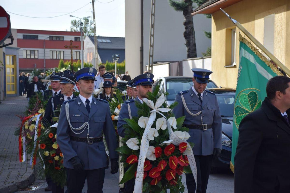 Donald Tusk przyjechał do Kęt na pogrzeb starosty powiatu oświęcimskiego