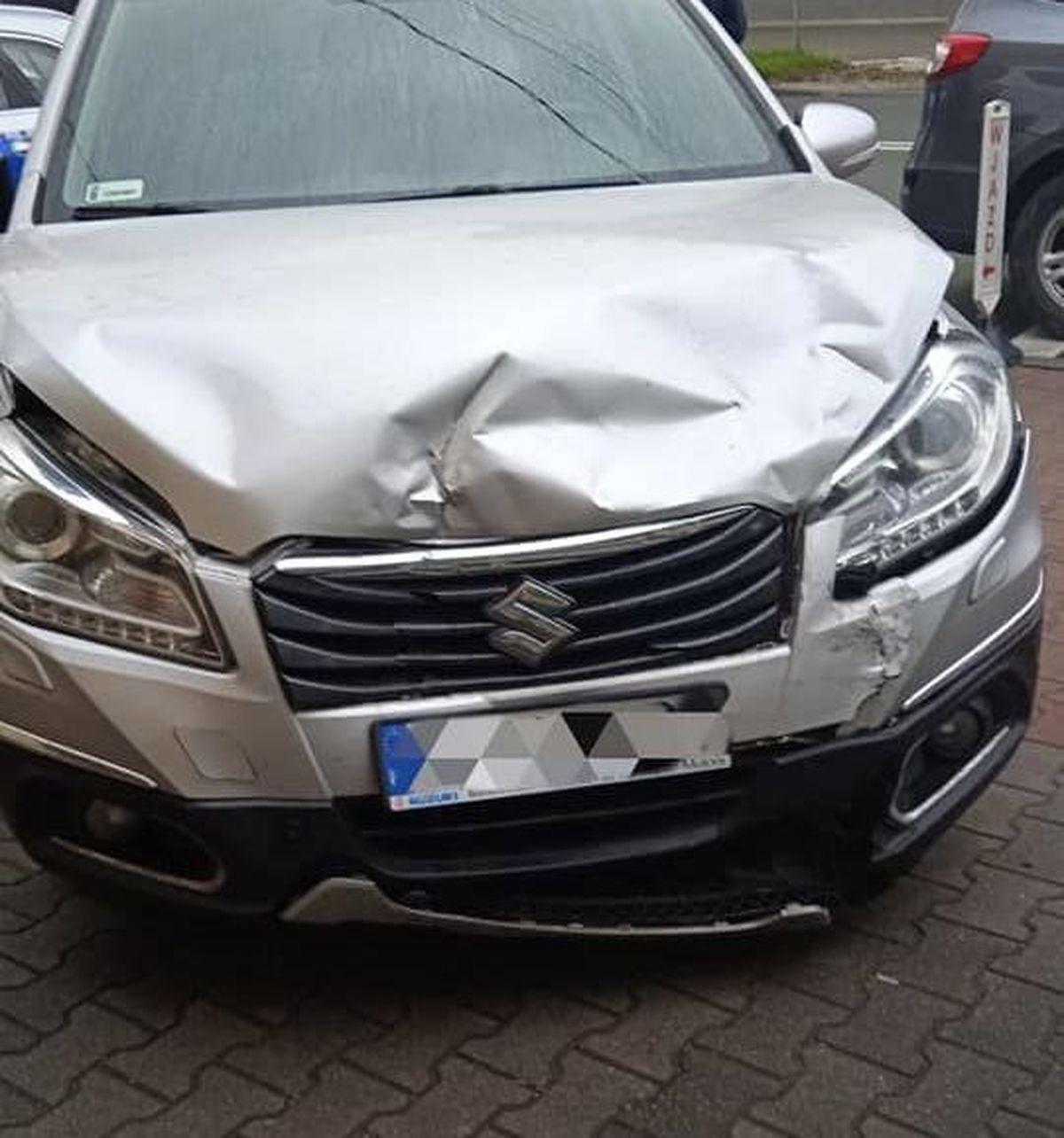 Trzy samochody rozbite, jedna osoba w szpitalu [AKTUALIZACJA]