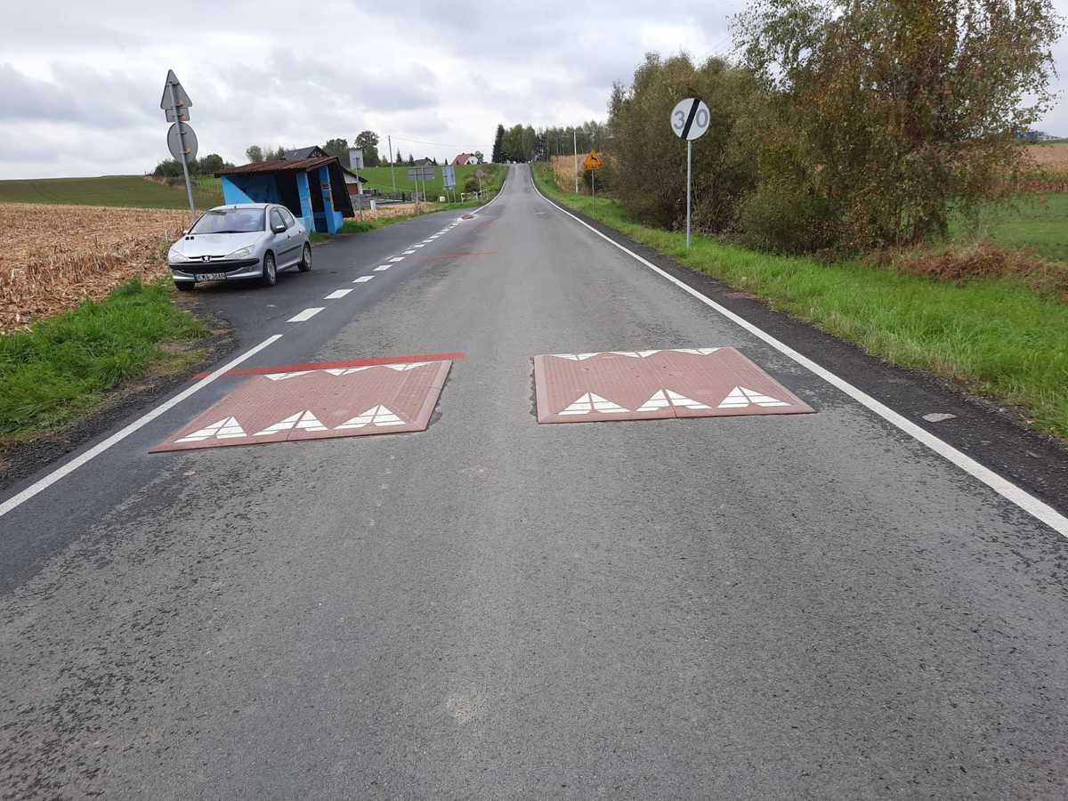 Na kolizyjnym skrzyżowaniu zamontowano jeszcze progi