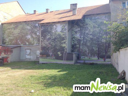 Czary mary na placu Mickiewicza i nie ma zrujnowanej kamienicy