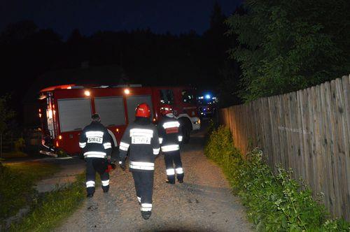 W jednym z domów doszło do wybuchu. Jedna osoba ranna [FOTO]