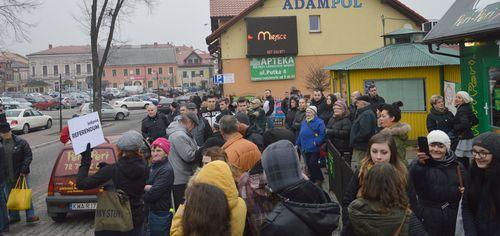 Protest w centrum miasta. O co w tym wszystkim chodzi? [VIDEO]
