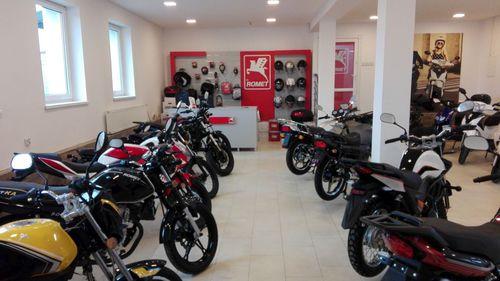 Skutery, motocykle i motorowery w nowym salonie Rometa