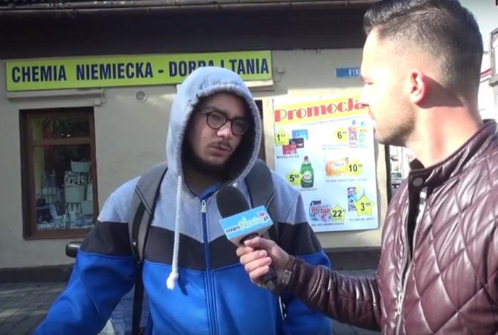 Mieszkańcy Andrychowa pozdrawiają swoich ulubionych nauczycieli [VIDEO]