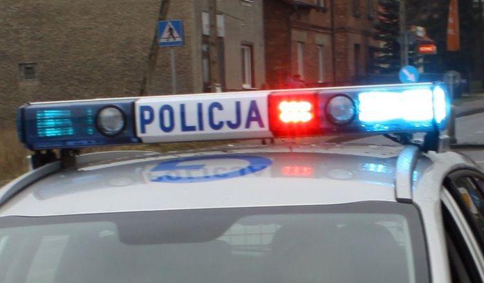 Policja wkracza do akcji. Mandat za spalanie śmieci w piecu