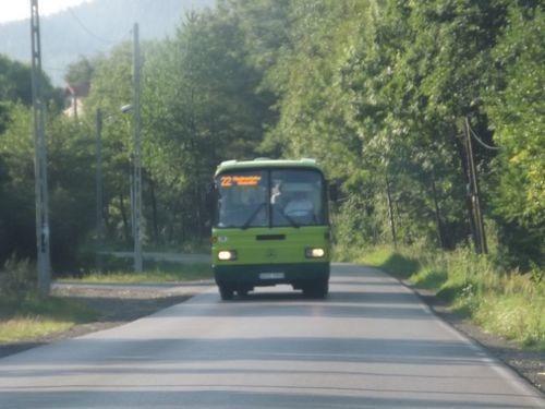 Autobusem na cmentarz w święta