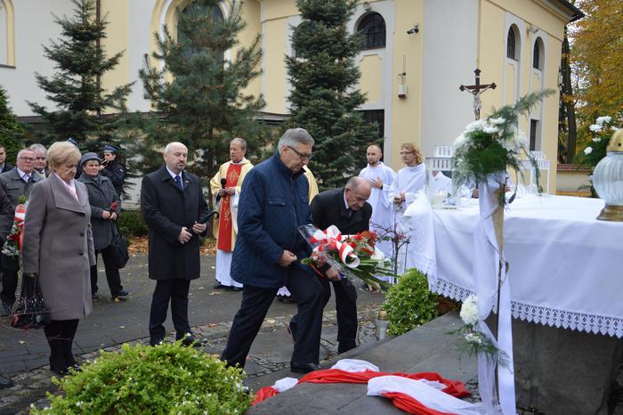 Ziemia z grobu ks. Popiełuszki złożona na terenie parafii [FOTO]