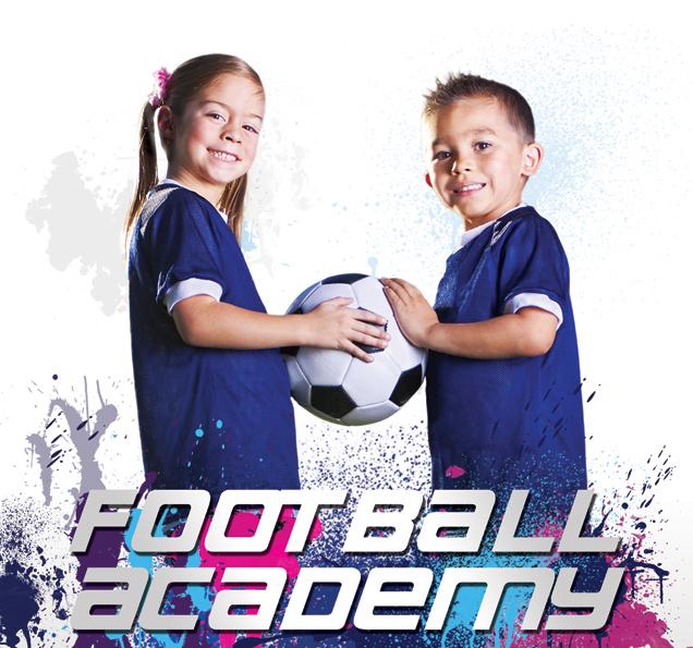 Football Academy prowadzi nabór dziewczynek oraz chłopców.
