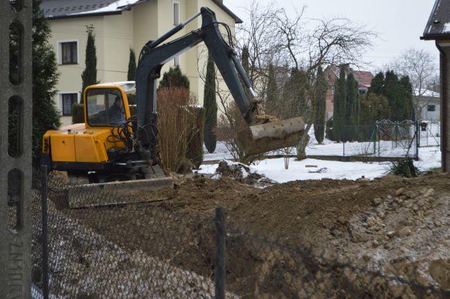 Budowa zakończona. Teraz trzeba podłączyć domy do kanalizacji i...płacić rachunki