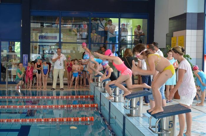 Wielkie emocje na kęckiej pływalni [FOTO]