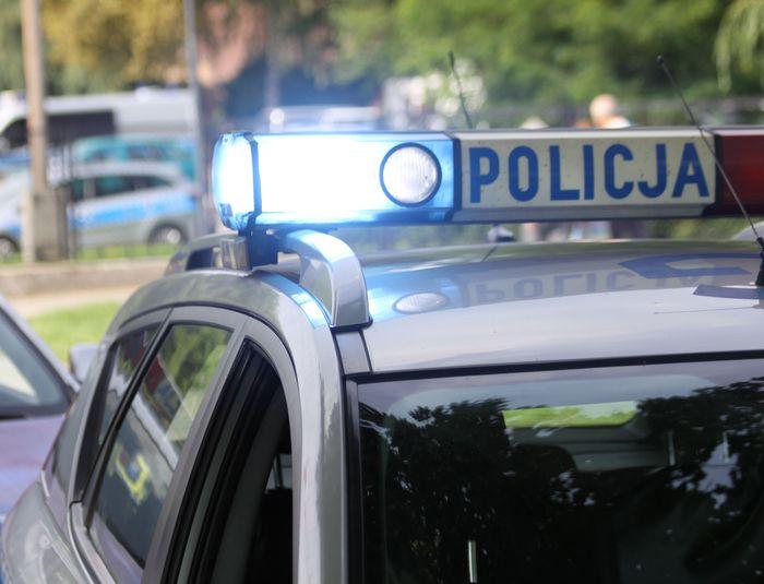 Policjanci i strażnik miejski  ratowali desperata