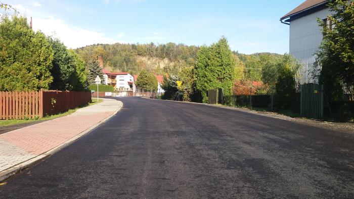 Piękny asfalt na Racławickiej [FOTO]