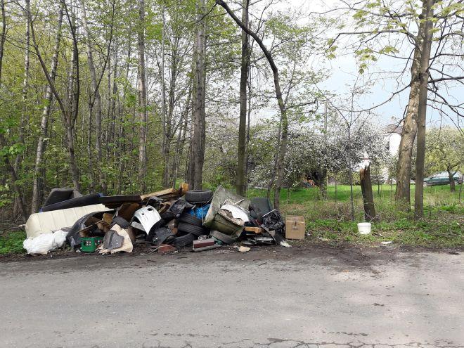 Trwa wywóz odpadów wielkogabarytowych w gminie Wieprz