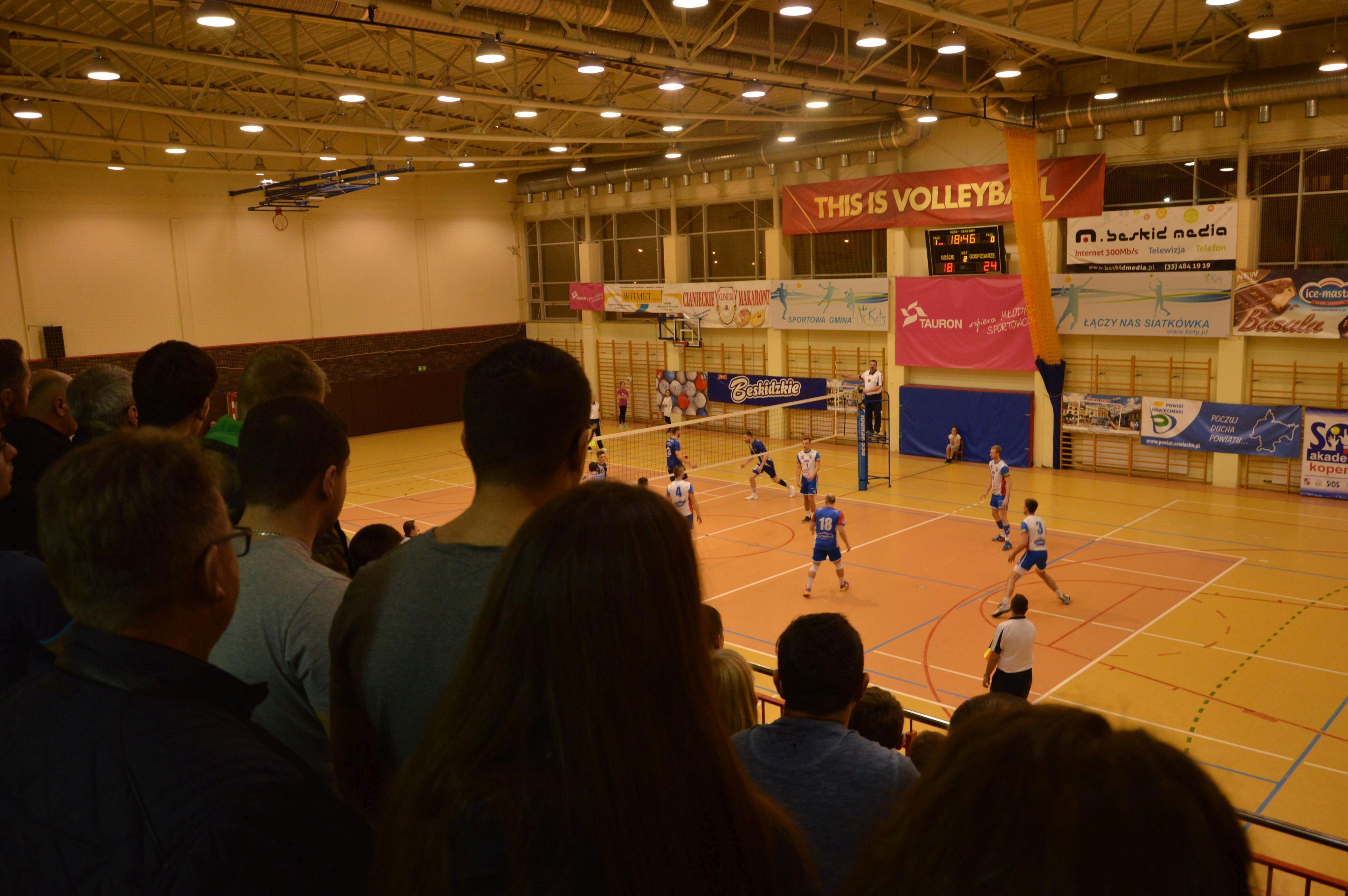 MKS Andrychów wygrywa siatkarskie derby z Kęczaninem