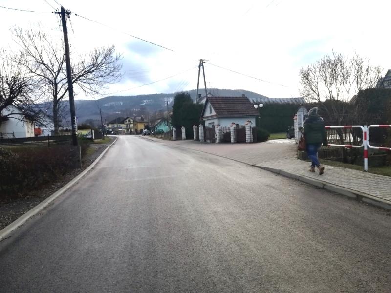 Władze powiatu chwalą się sukcesami drogowymi w gminie Andrychów