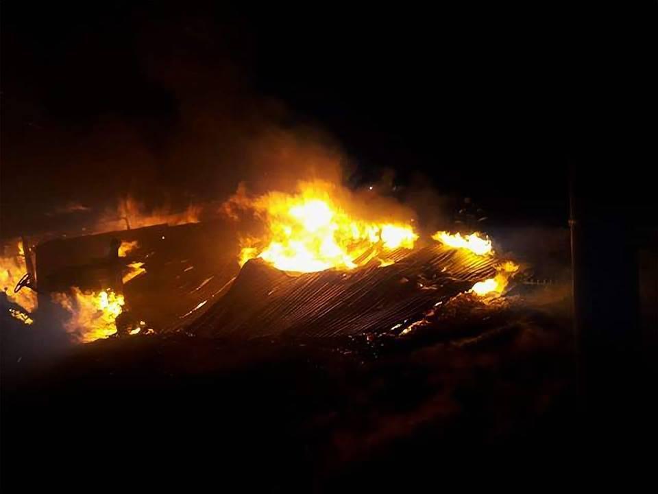 Rano pożar strawił drewniany budynek
