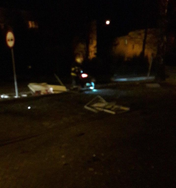 18- latek stracił panowanie nad autem i wpadł w poślizg
