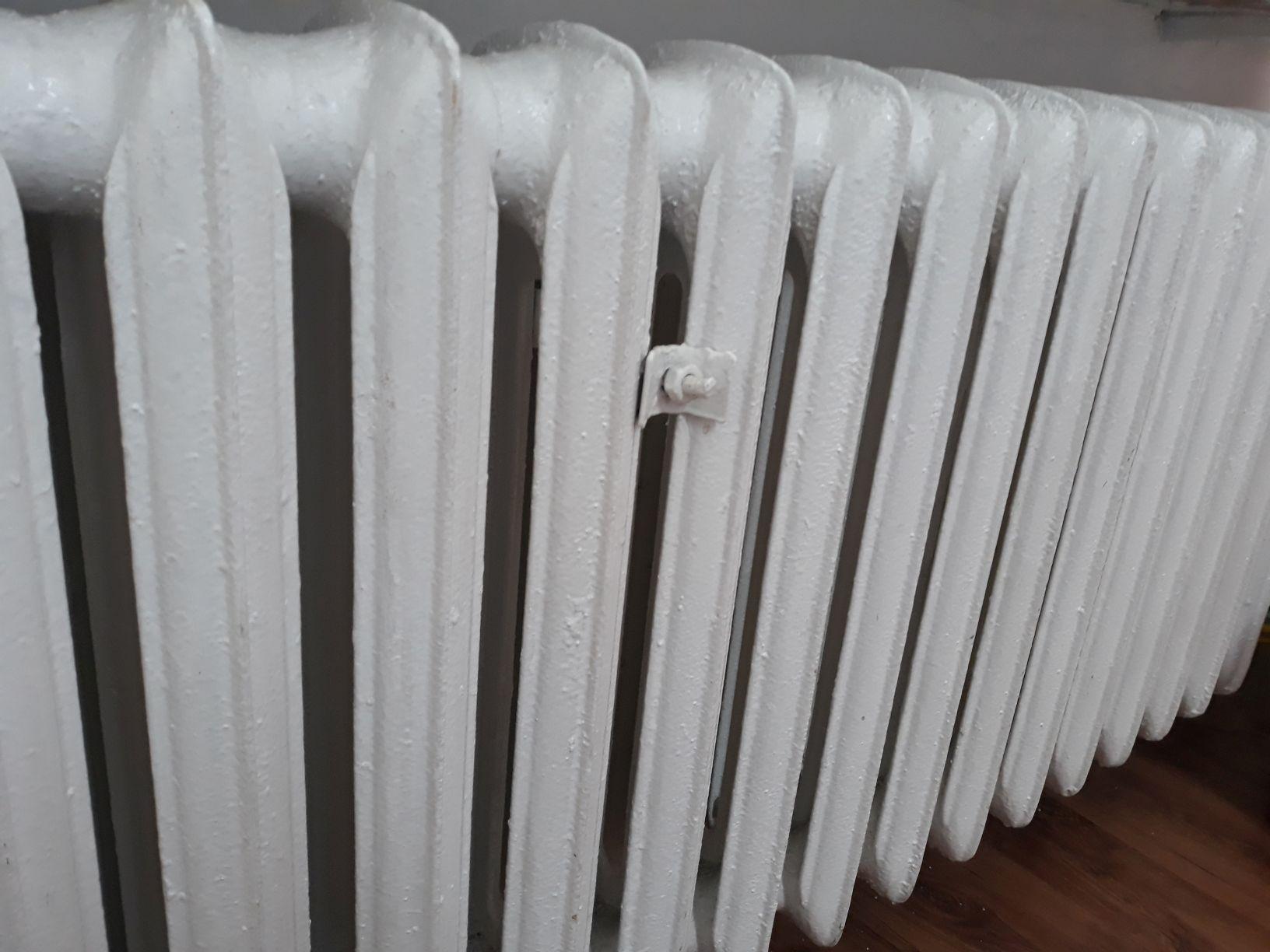 W środku zimy zimno w mieszkaniach