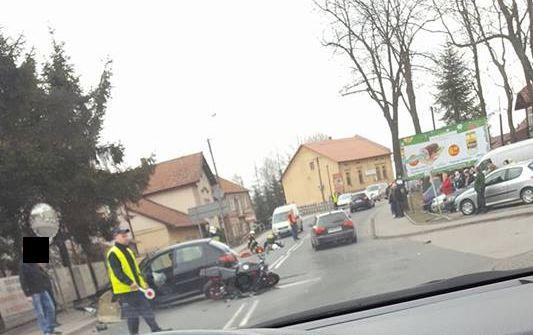 Dramatyczny wypadek. Motocyklista w ciężkim stanie