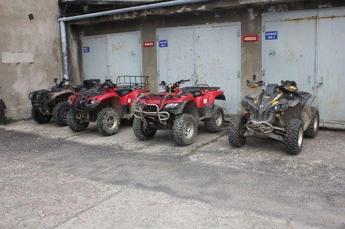 Kradli quady i motocykle crossowe