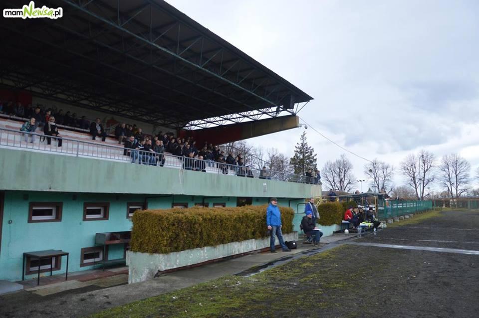 Stadion Beskidu wygląda tragicznie? Radny skomentował internetową dyskusję