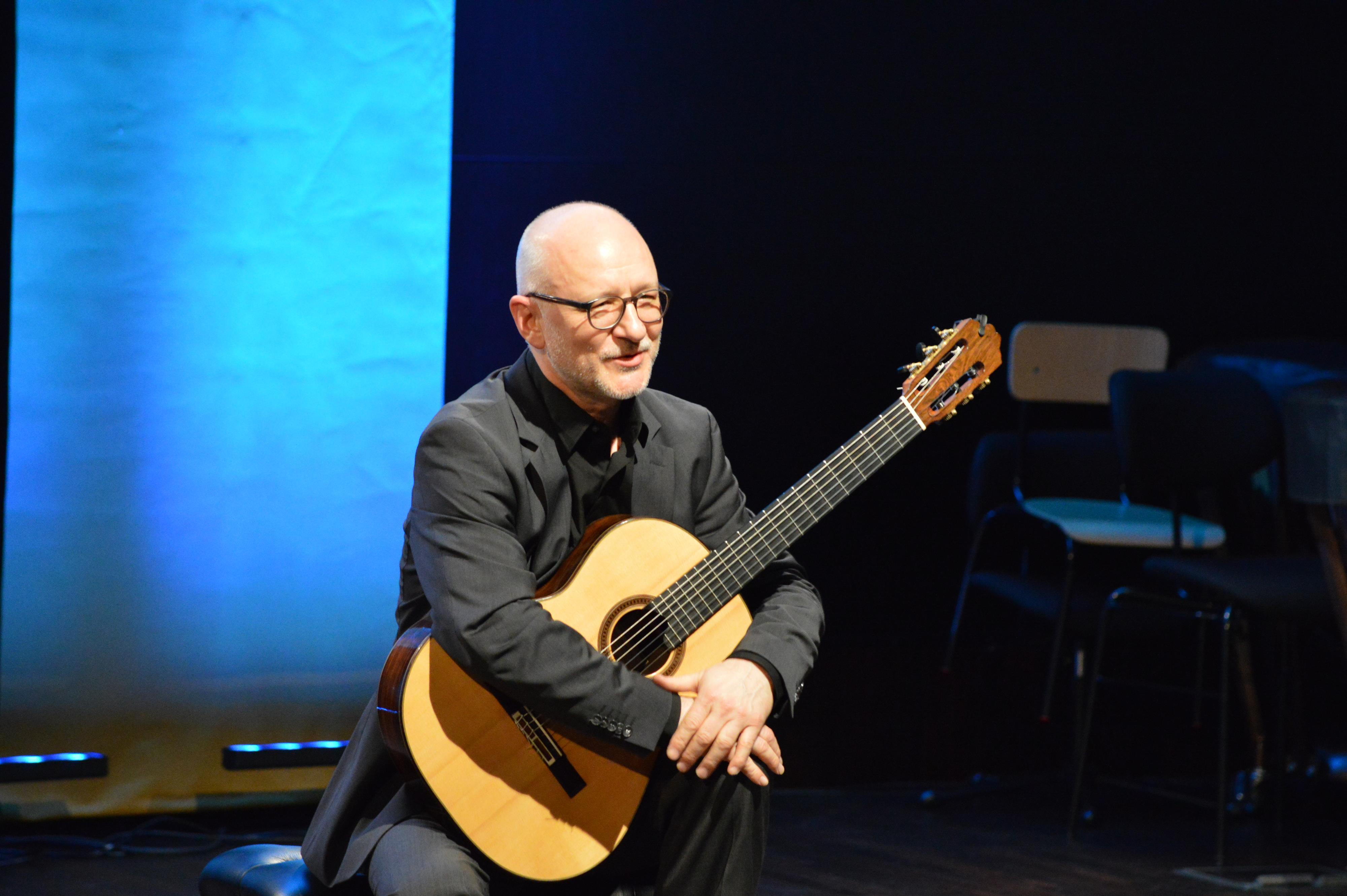Ogólnopolski konkurs gitarowy i występy zawodowców