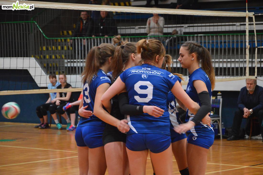 Siatkarki MKS Andrychów rozpoczynają batalię o awans do II ligi