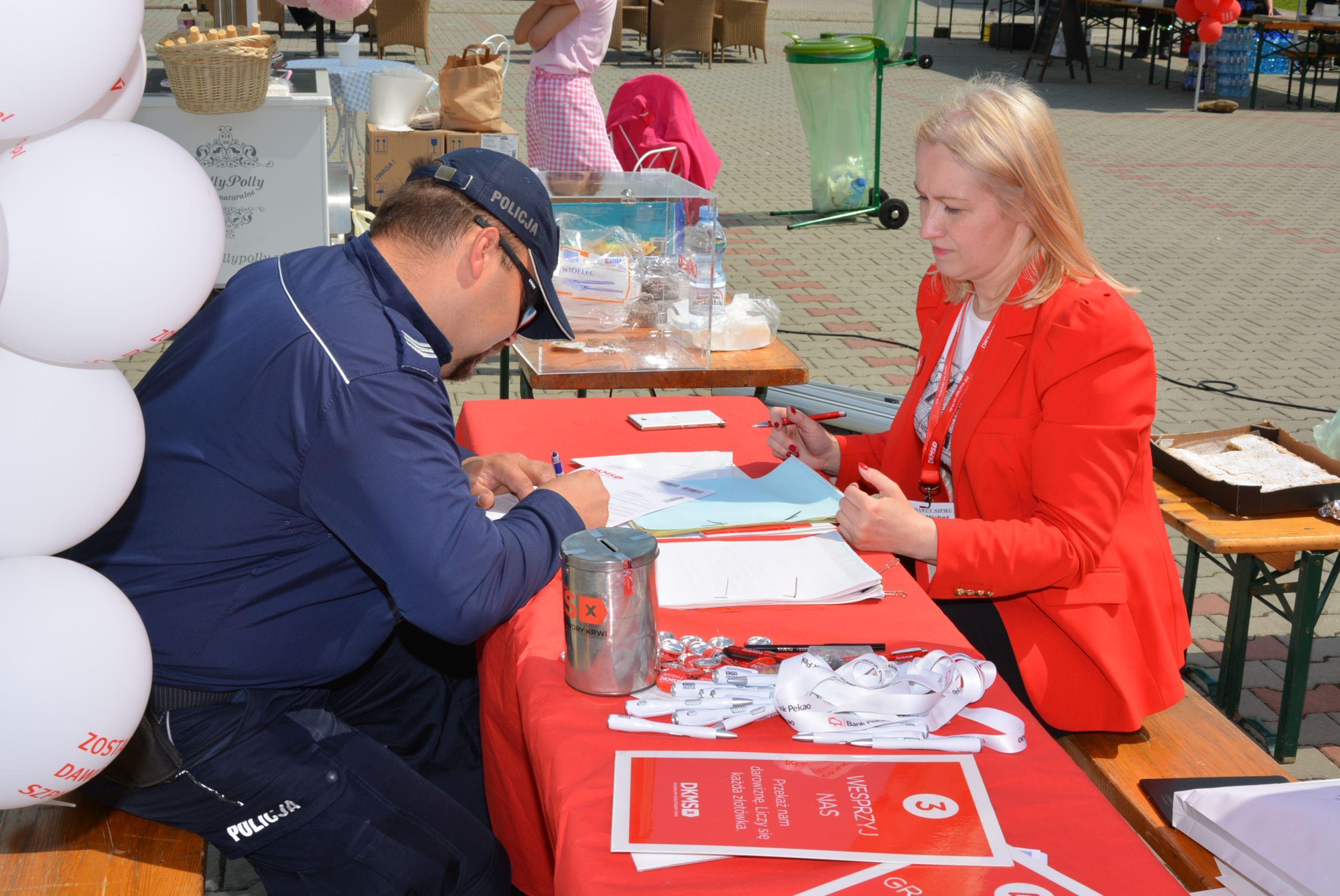 Policjanci włączyli się w akcję rejestracji potencjalnych Dawców szpiku