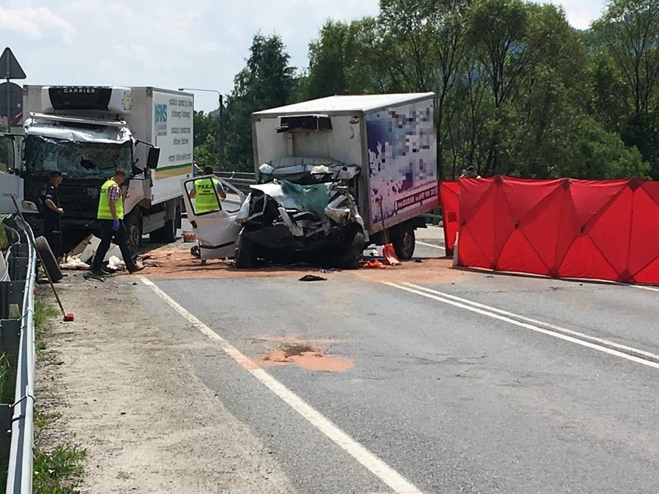 Poważny wypadek na drodze nr 28, zderzenie ciężarówki z autem dostawczym [AKTUALIZACJA]