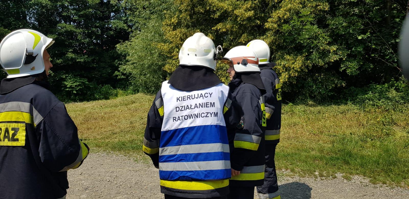 Akcja ratownicza nad Wieprzówką w Andrychowie i pożar w