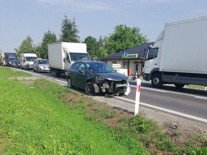 Poważnie wyglądająca kolizja drogowa na krajówce w Bulowicach