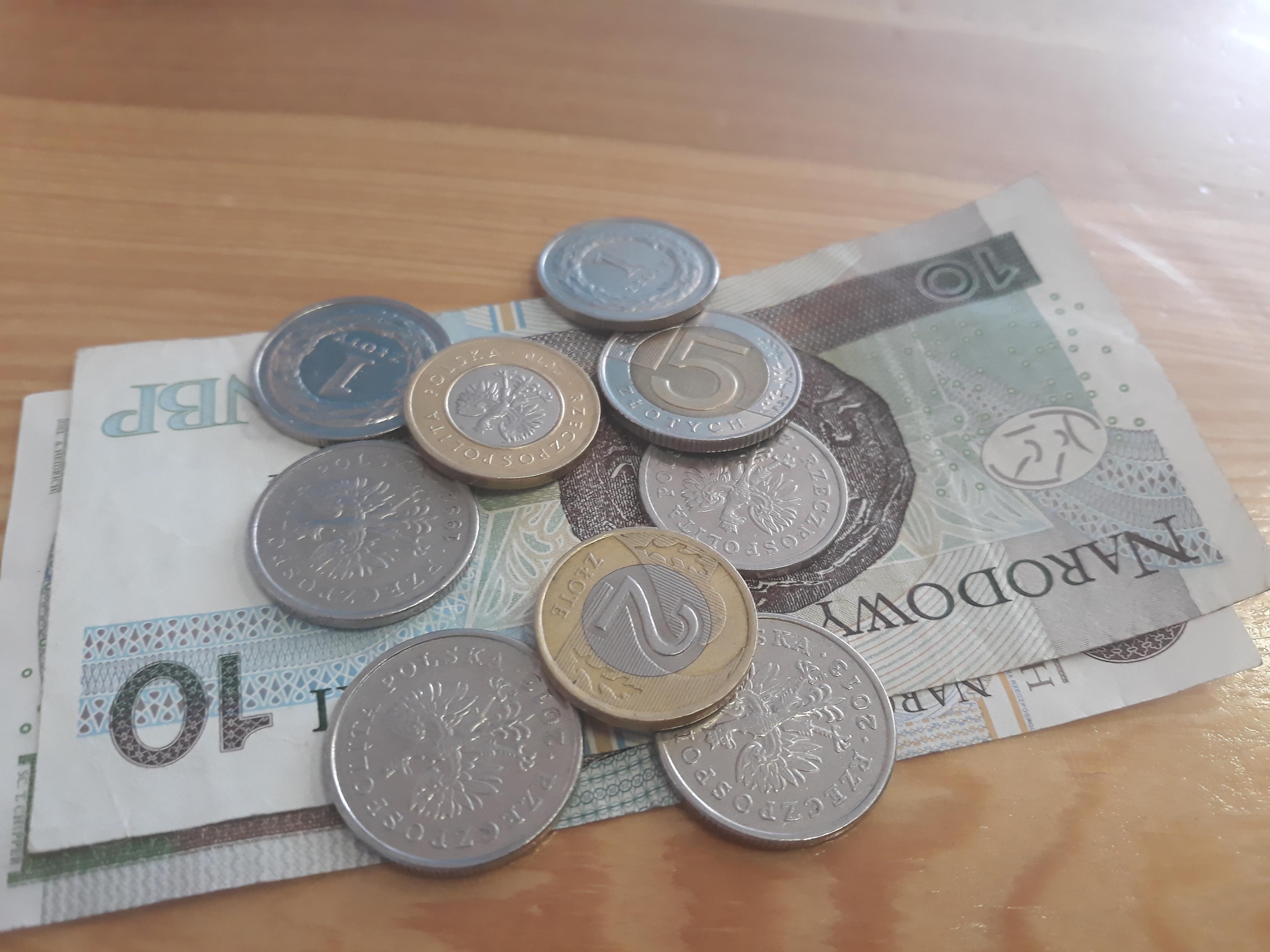 Radni przeciwko obniżeniu wynagrodzeń dla burmistrzów