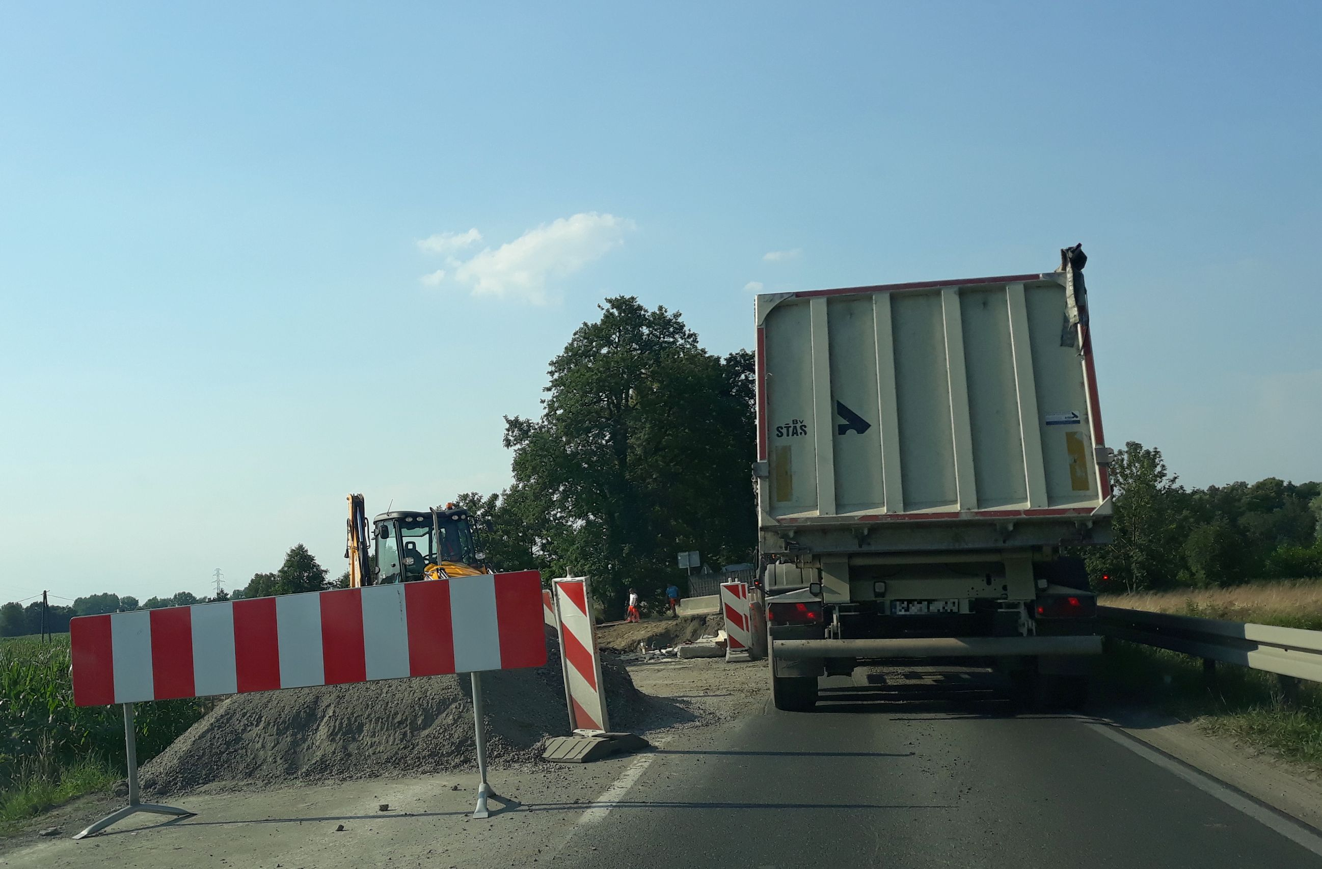 Coraz większe utrudnienia na remontowanej drodze