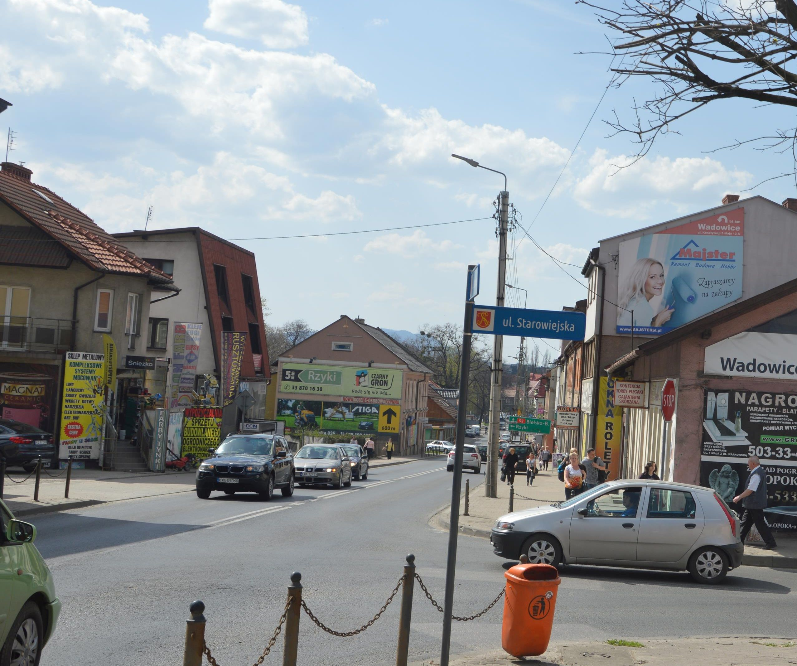 Banery reklamowe znikną z andrychowskich ulic? Nieprędko…