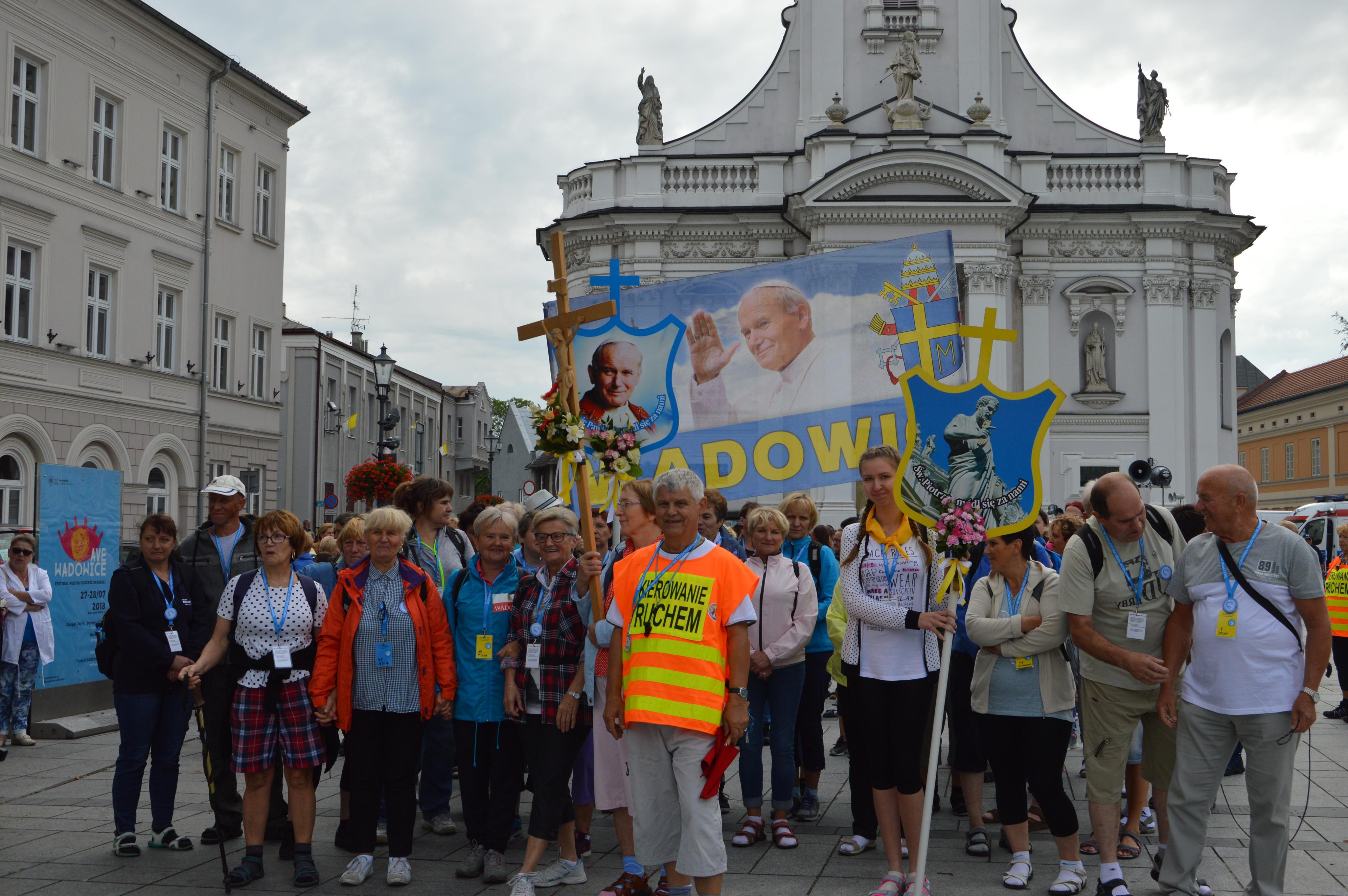 Wadowiccy pielgrzymi wyruszyli do Częstochowy. Będą szli sześć dni [FOTO]