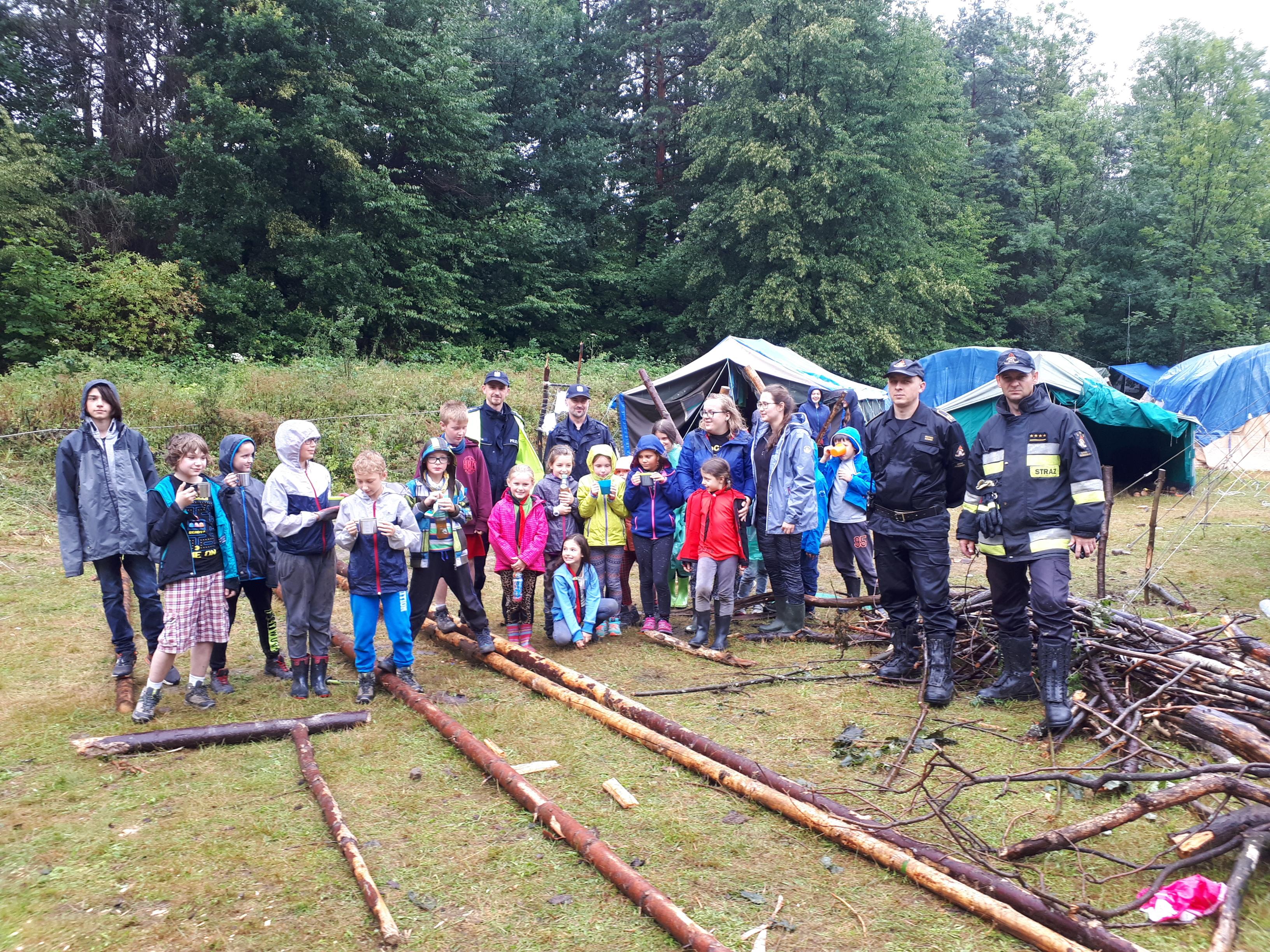 Ewakuowano ponad 100 uczestników obozu harcerskiego [AKTUALIZACJA]
