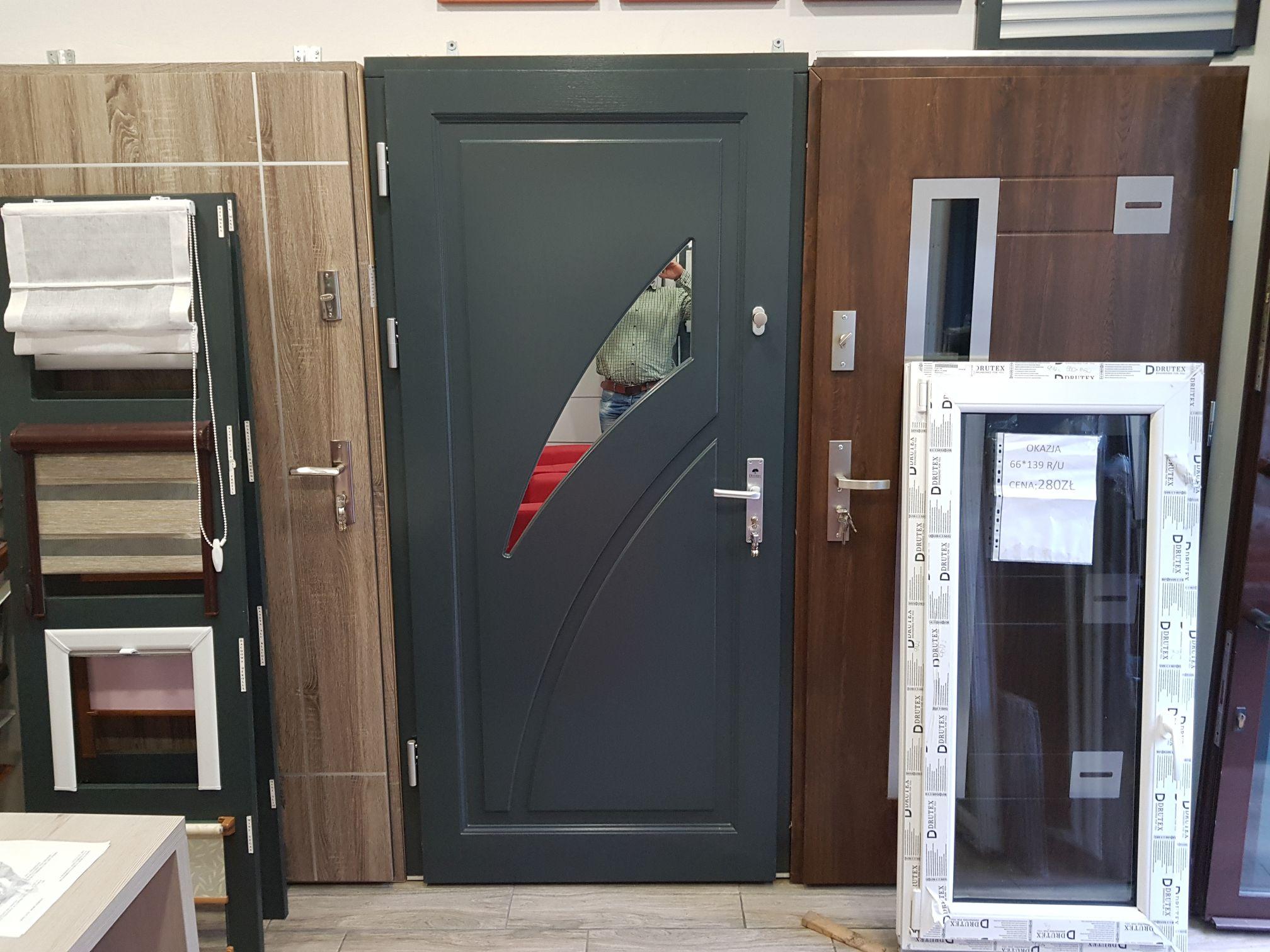 Jesienna promocja na drzwi zewnętrzne i drewniane w firmie OKNO FLOREK