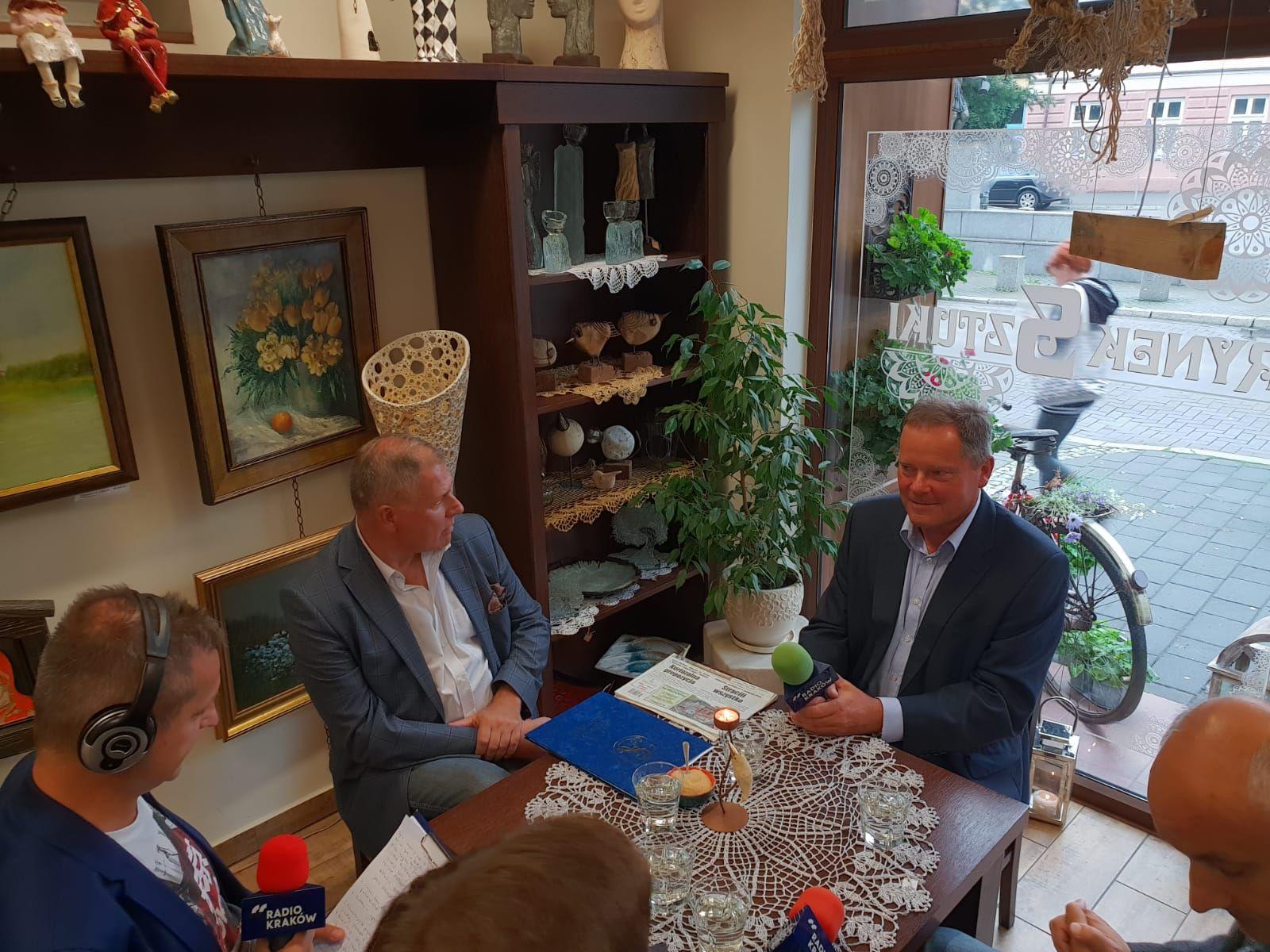 Pierwsze starcie kandydatów na burmistrza Andrychowa. O tym rozmawiali