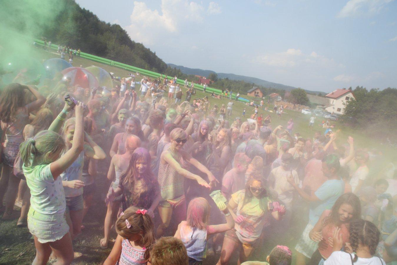 W niedzielę Eksplozja Kolorów na Czarnym Groniu. Warto tam być!