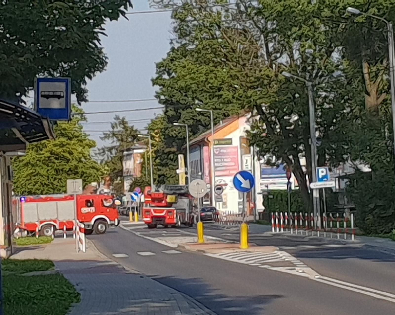 Strażacy wezwani do pożaru samochodu