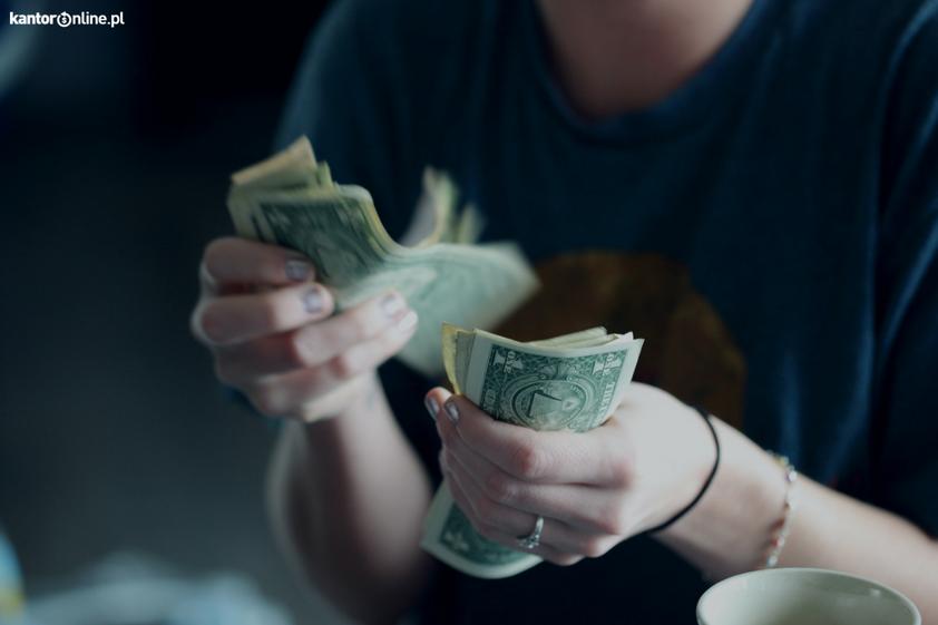 """Wadowiczanie mówią """"nie"""" wysokim opłatom za wymianę walut"""