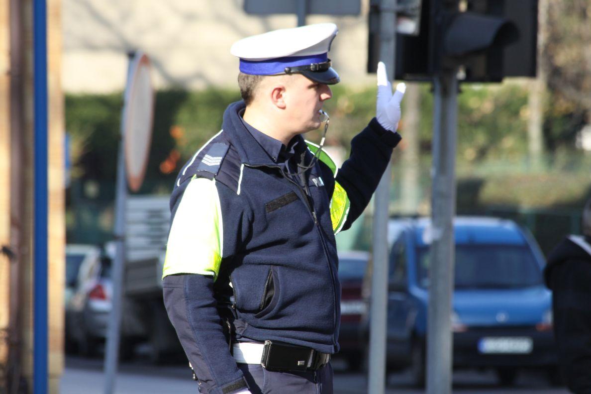 W jeden dzień policjanci ujęli 22 pieszych, którzy niebezpiecznie zachowali się na jezdni
