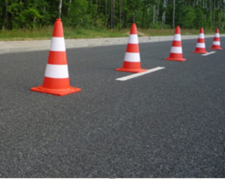 Chuligan dewastował remontowaną drogę. Miał 2 promile