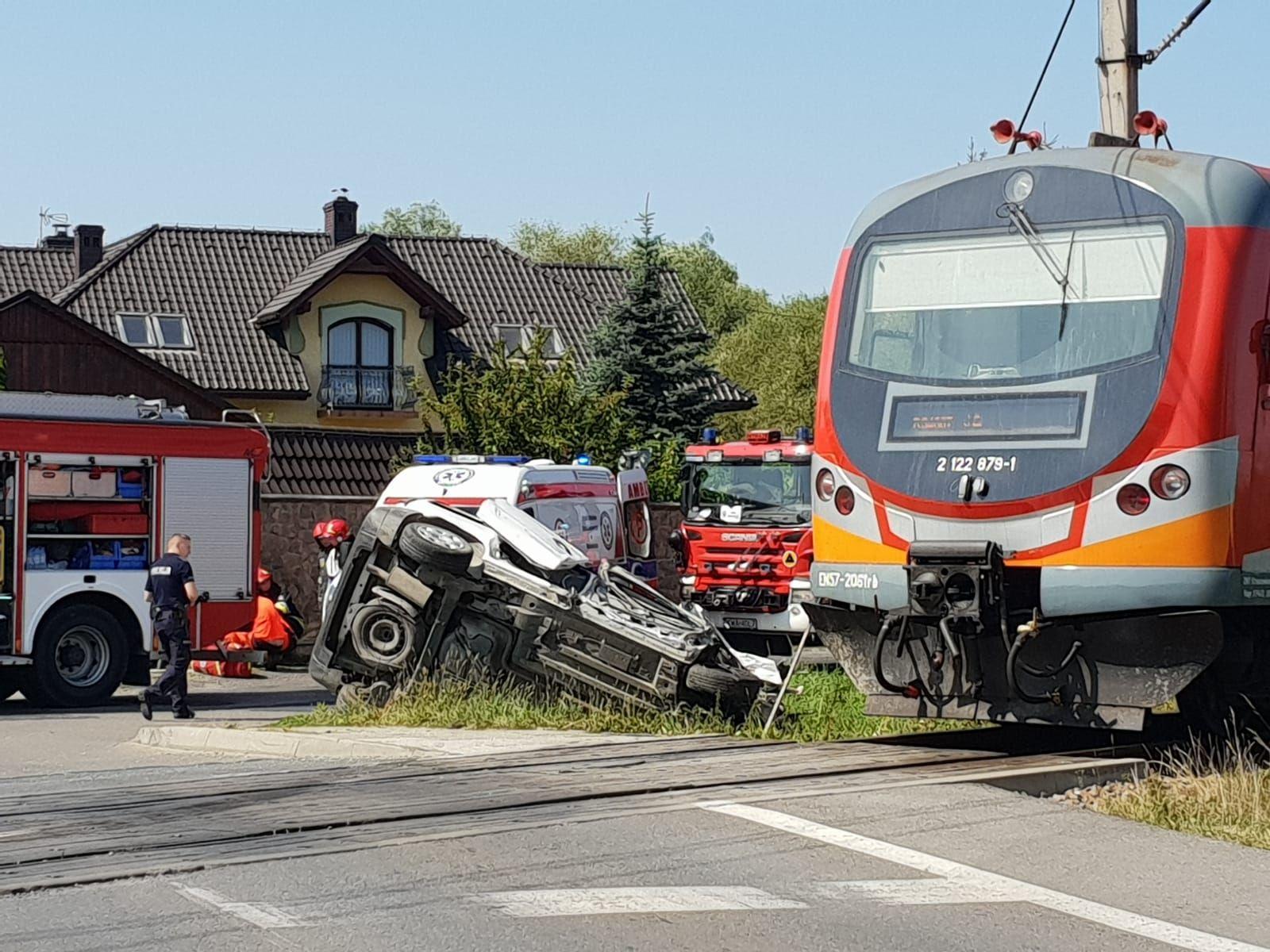 Zderzenie z pociągiem w Andrychowie [FOTO] [AKTUALIZACJA]