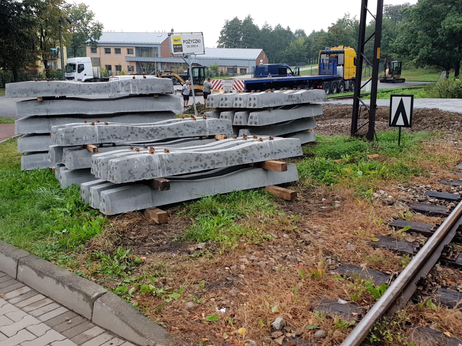 Dwa przejazdy kolejowe do remontu. Będą utrudnienia dla kierowców i pasażerów