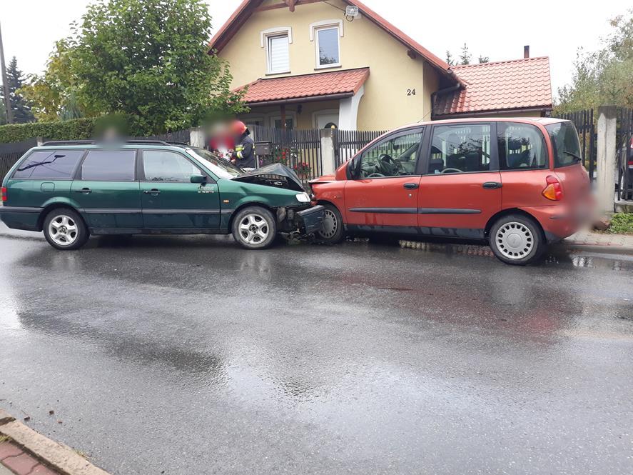 Kolizja pojazdów na Żwirki i Wigury [FOTO]