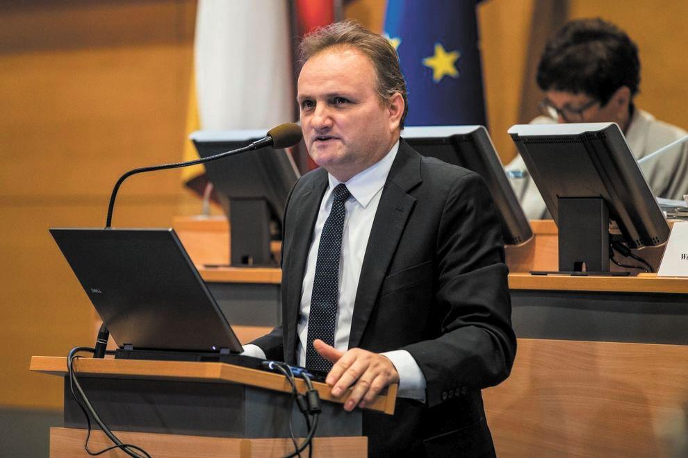 Oficjalne dane: PiS przejmuje władzę w Małopolsce