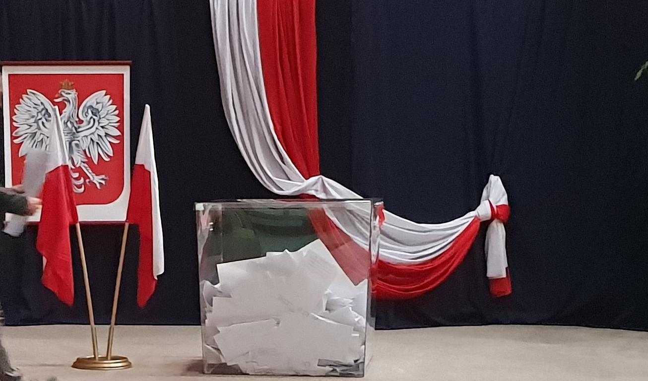 PKW podała oficjalne wyniki II tury wyborów