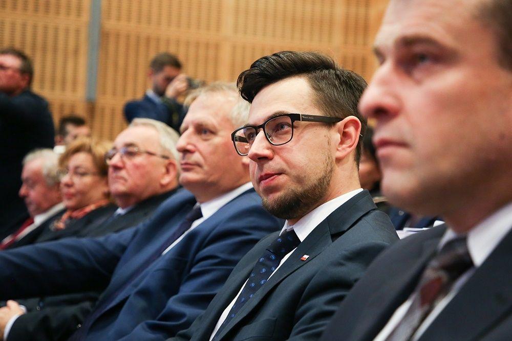 Nowi radni wybrali nowego marszałka Małopolski